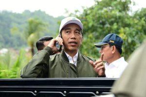 Presiden Jokowi Memantau Proses Evakuasi WNI di Natuna (Foto: Akun Fb Presiden Joko Widodo)