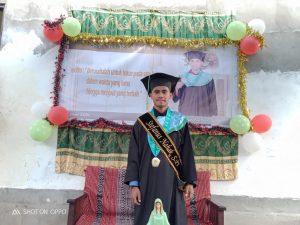 Stefanus Nahak, S.Pt - Lulusan Terbaik dengan Predikat Cum Laude pada Program Studi Peternakan Fakultas Pertanian Universitas Timor (Istimewa)